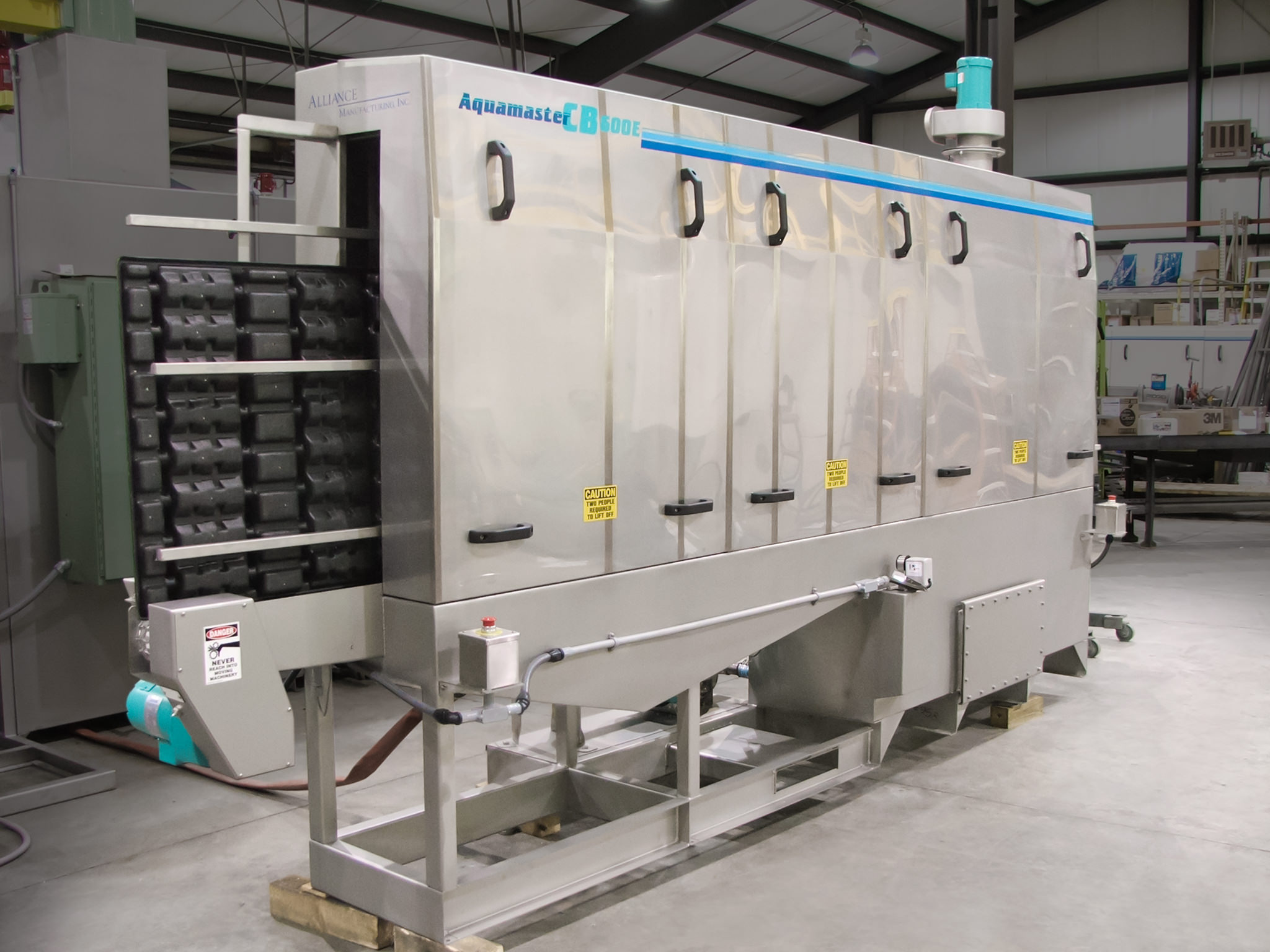 wash system for trays used in food production